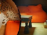 Le gîte du Paradoxe Perdu, petit salon et chambre à l'étage